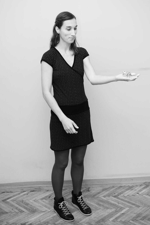 """<p>Anna Eckert untersucht aus kulturwissenschaftlicher Perspektive, von wem<br /> und auf welche Weise """"Stadt"""" geschaffen wird. Ihr Interesse umfasst<br /> Prozesse städtischer Ausgrenzung, Ästhetisierung und De-industrialisierung<br /> sowie verschiedene Stadtgrößen.</p>"""